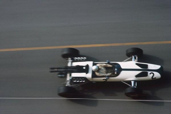 Top-10-McLaren-Formula-1-cars-8