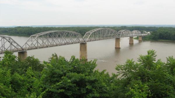 champ-clark-bridge