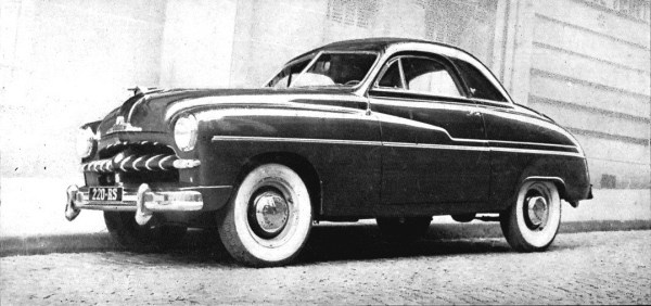 The initial Vedette two-seater coupé, soon redesigned with a larger greenhouse and four seats.