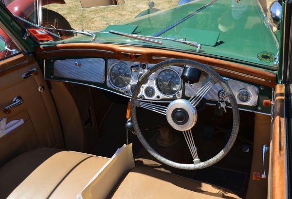 1938-lancia-astura-interior