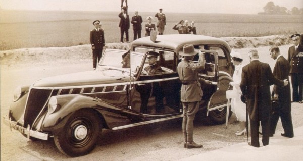 1938 Suprastella – back when Renaults were fit for a king (in this case, George VI)…