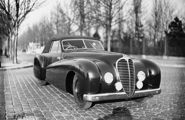 1947 Delahaye 135 cabriolet by Pourtout, sporting the new grille.