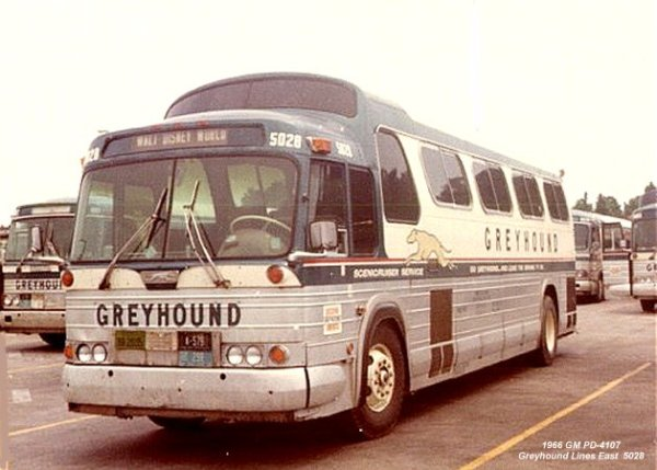 Bus Stop Classic: GM PD 4107/4108 and 4903/4905