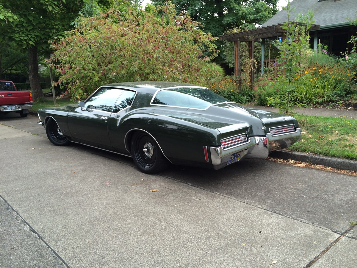 curbside classic 1971 buick riviera bill mitchell s pointy assed dead end. Black Bedroom Furniture Sets. Home Design Ideas