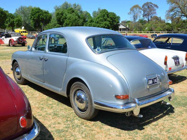 lancia-aurelia-sedan-rear