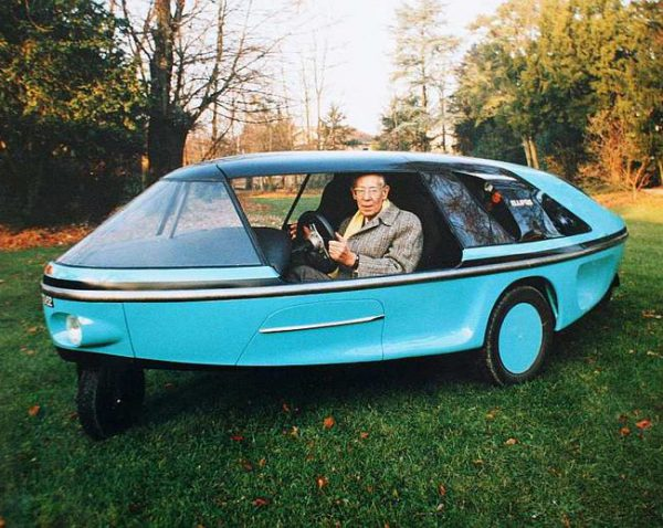 Ellipsis I with its designer at the wheel, 1992.