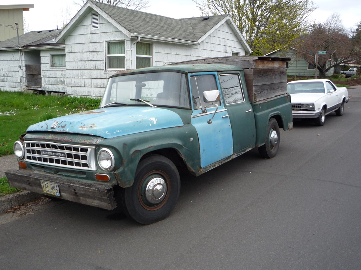 Cc Capsule 1964 International Travelette The Proto Double Cab Pickup Ford Crew Im Not Sure Whats Under Hood But Two V8 Choices That Year Were 266 1548 Hp And 304 1931 Of Course It Could Well Be Infinitely