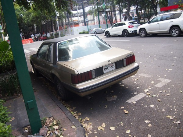 ford-mustang-notchback-2