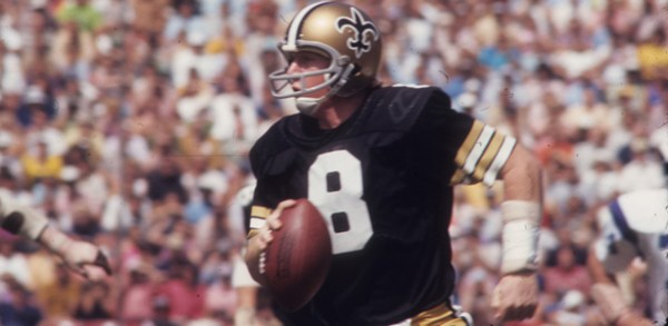LOS ANGELES - SEPTEMBER 17: Quarterback Archie Manning #8 of the New Orleans Saints drops back to pass against the Los Angeles Rams at the Los Angeles Memorial Coliseum on September 17, 1972 in Los Angeles, California. The Rams defeated the Saints 34-14. (AP Photo/NFL Photos)