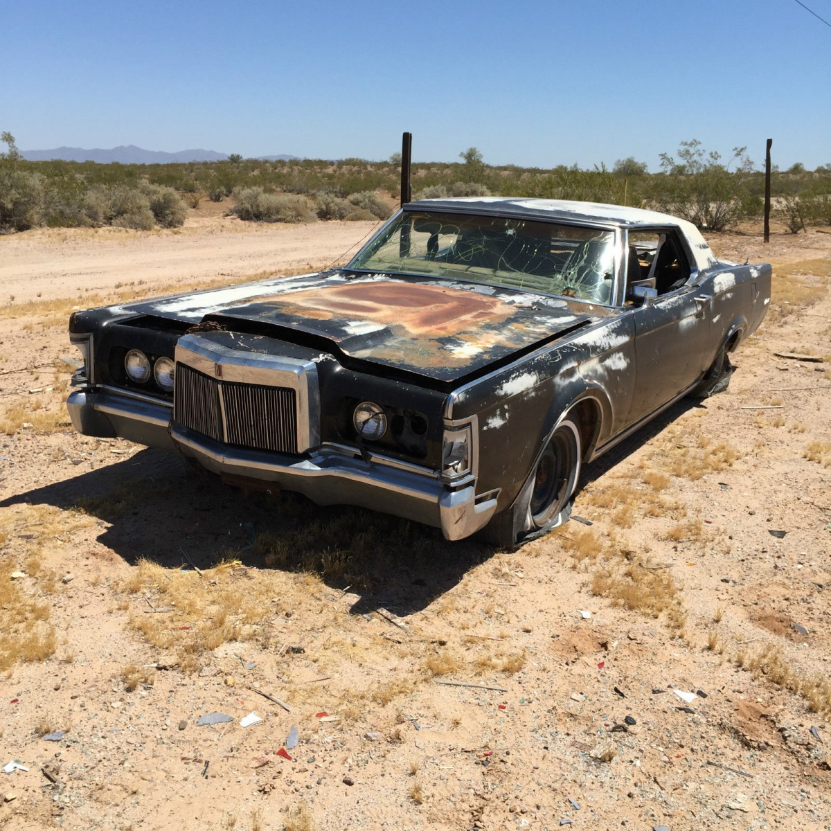 Craigslist Art: 1971 Lincoln Mark III Desert – Patina