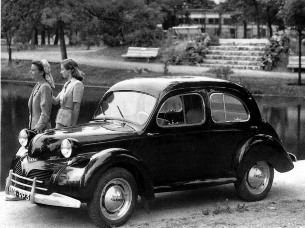 1947 Panhard Dyna X still had a lot of AFG DNA (IMHO).