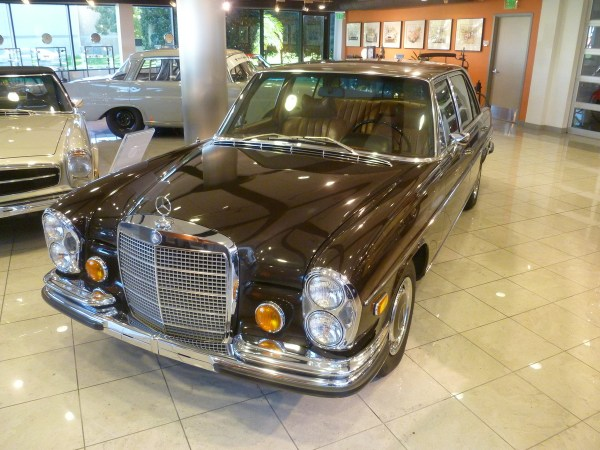 Mercedes-Benz Classic Center 300SEL 6.3