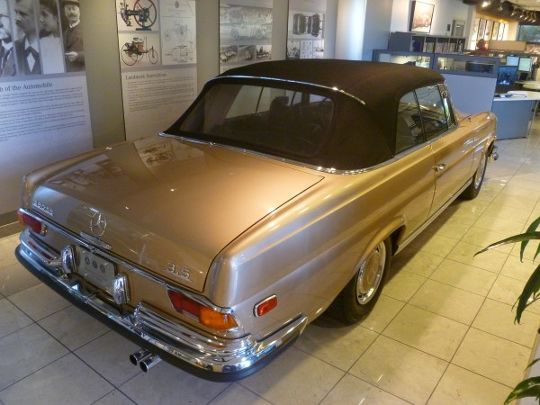 Mercedes-Benz Classic Center 280SE 3.5