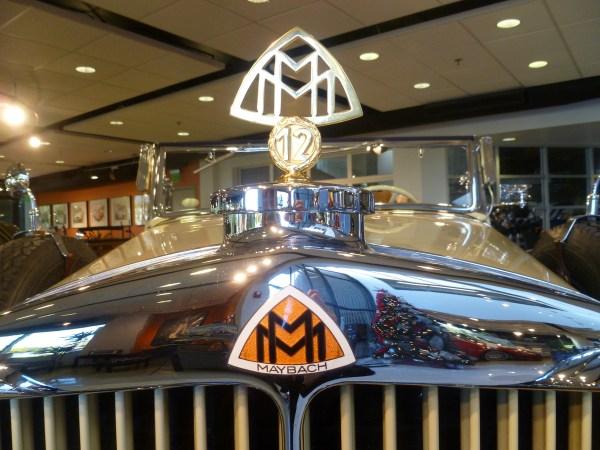Mercedes-Benz Classic Center Maybach DS8