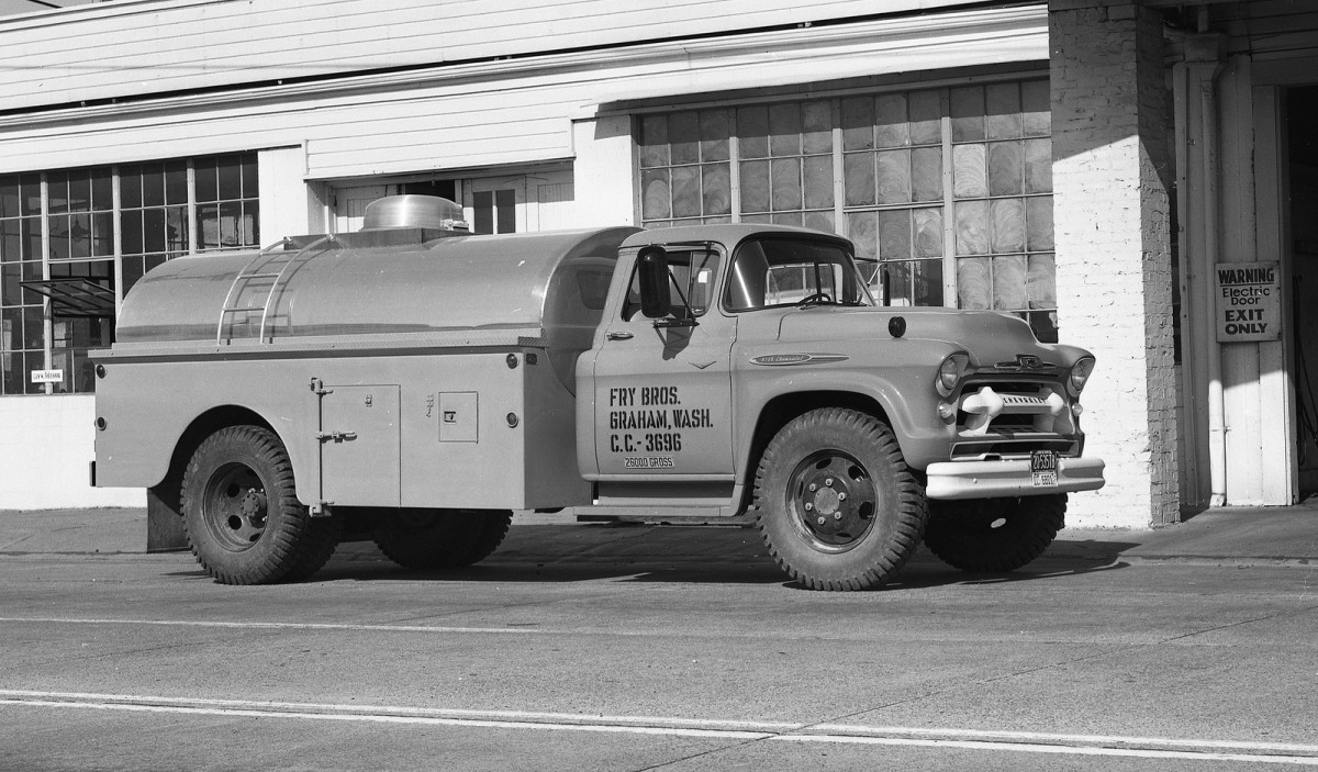 Cohort Vintage Photography A Gallery Of 1955 1957 New Chevy Trucks Panel Van Tank Body Some Sort On 57 V8 Chassis