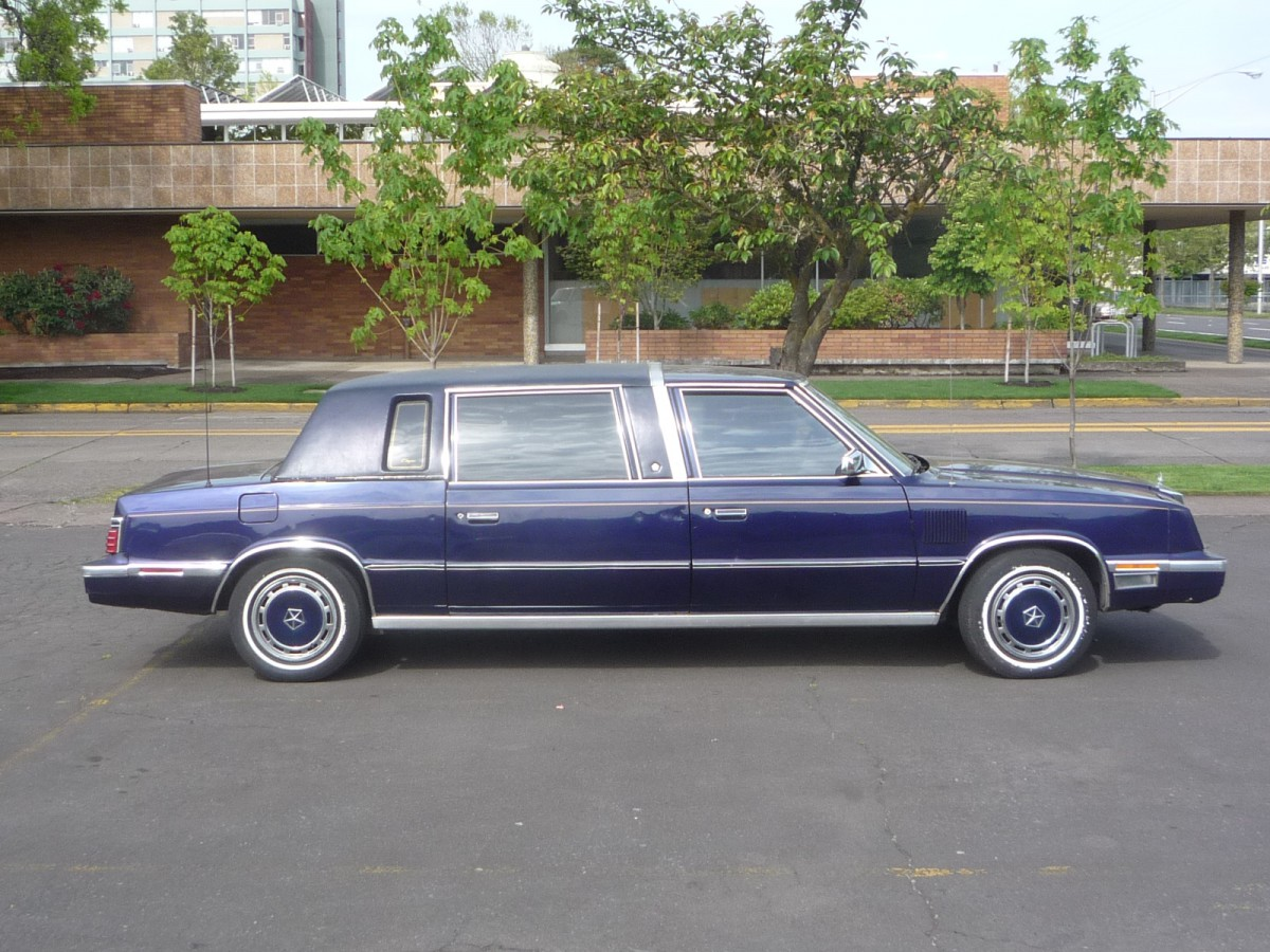 Cohort Outtake The Rather Rare Downsized 1977 1984 Cadillac 1951 Fleetwood Sedan Only Thing More Embarrassing Than Shrunken Head Fwd Limo Was Similar Chrysler Executive Which I Also Found And Posted
