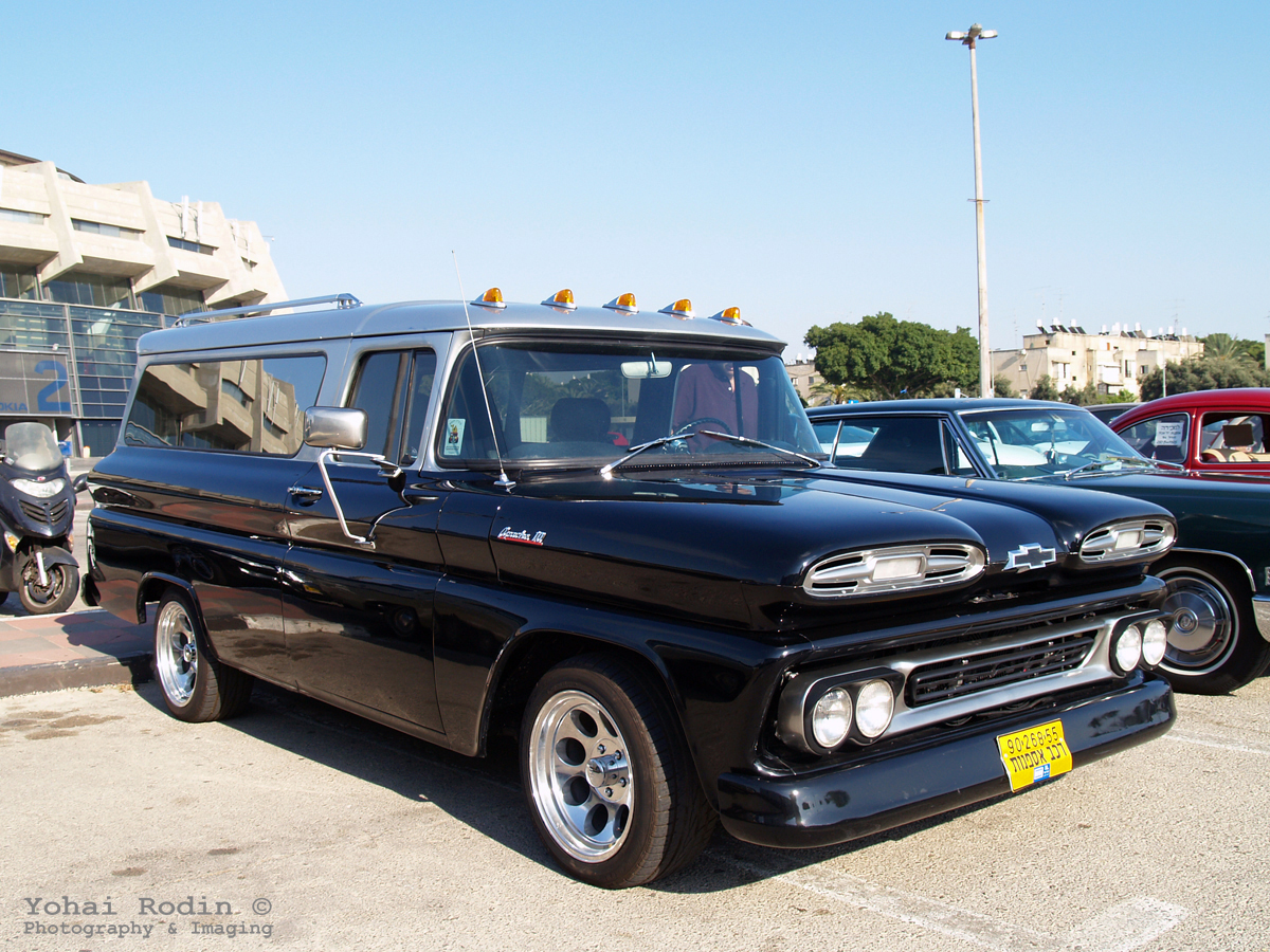 Dash Cam Cc 1961 Chevrolet Apache Suburban Pick Up As With Many Other Classics That Roam Israel Ive Seen And Photographed This One Before At Classic Car Meetings
