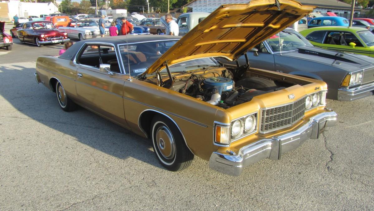 Car Show Classic: 1974 Mercury Meteor Rideau 500 – A Real Canadian ...