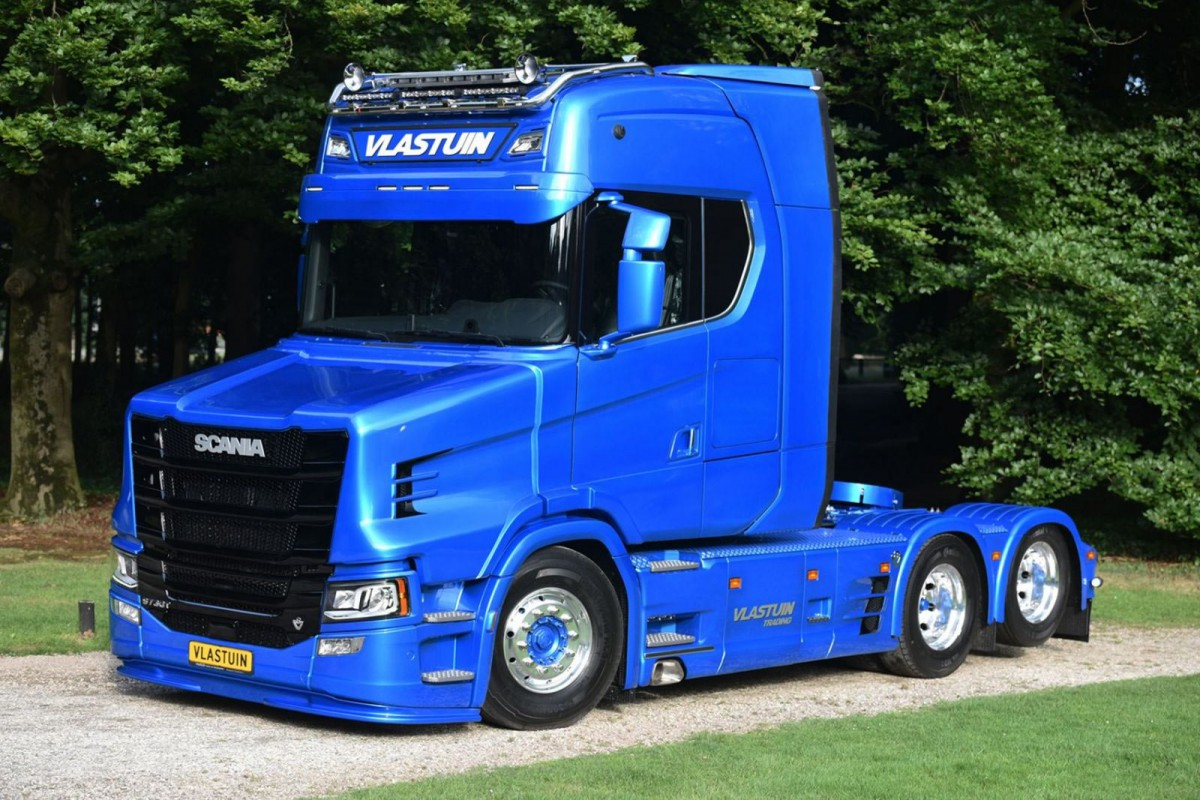 Meanwhile Scania introduced a more square lined new generation of heavy trucks and tractors in ...