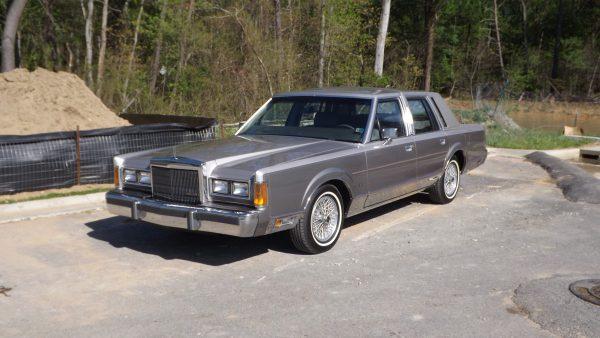 1989 Town Car Cartier Front