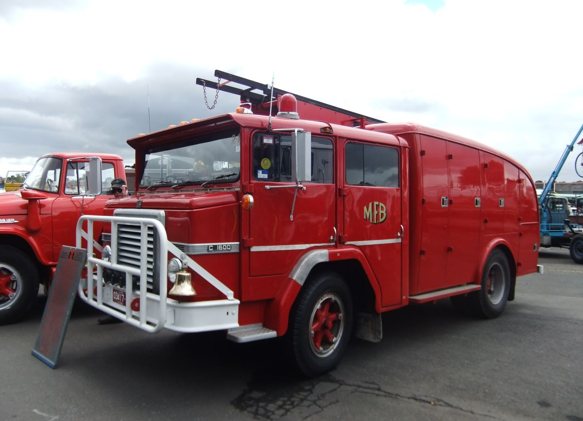 Car Show Classic: 2013 Historic Commercial Vehicle Club Show – Fire ...