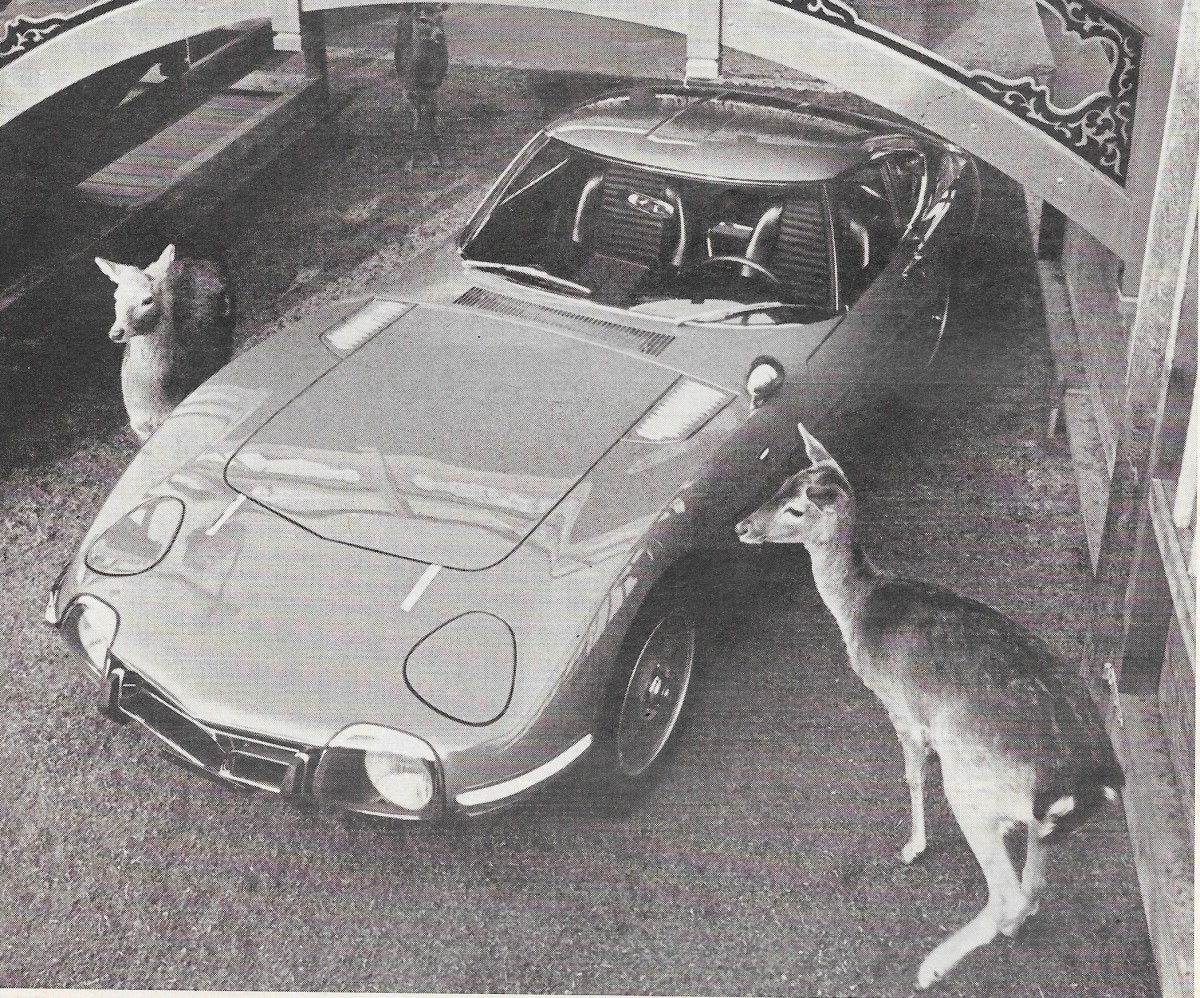 Vintage Review: 1968 Toyota 2000GT – April 1968 Car and Driver Road Test