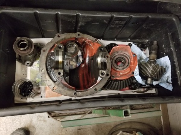 "Ford 9"" differential disassebled"
