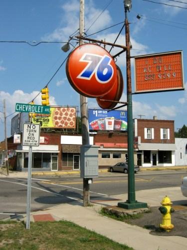Union 76 Sign, corner of Flushing Road & Chevrolet Avenue, Flint, Michigan.