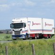 More variety this time, and I found a much better truck spotting spot than in last week's edition. So here we go with a 2017 Scania S450 6×2 truck (tag […]