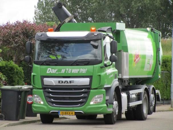 DAF CF garbage truck - 1