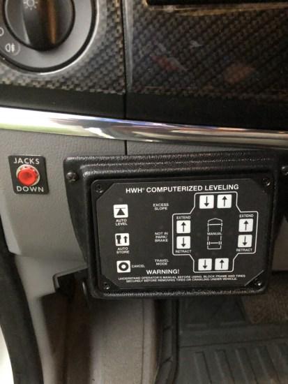 a dash controller for rv jacks