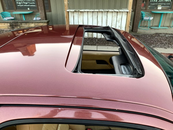 1985 Porsche 928S Sunroof