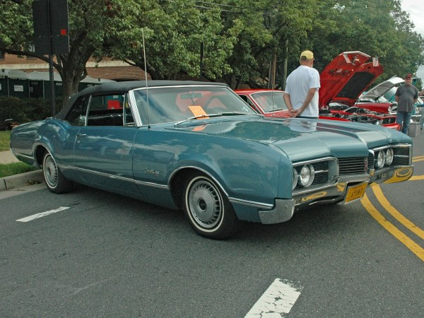 1967 Oldsmobile Delmont 88 convertible right front
