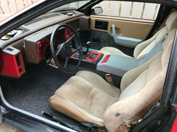Pontiac Fiero interior