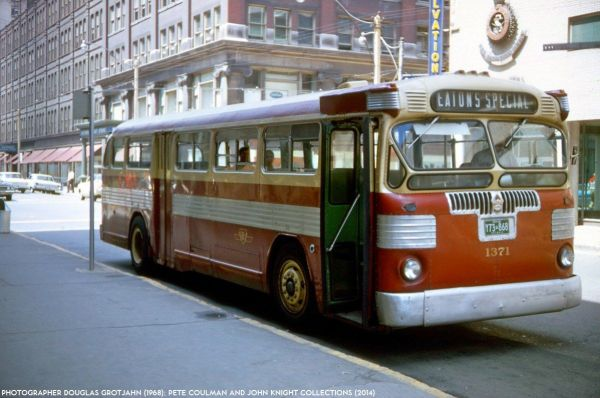 Twin Coach TC-41S in Toronto