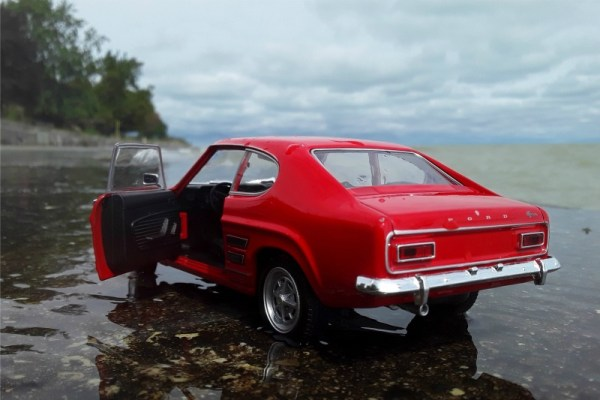 1969 Ford Capri 1600 GT XLR scale model by Welly.