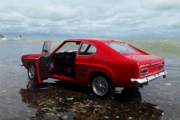 1969 Ford Capri 1600 GT XLR, 1:24 scale model by Welly.