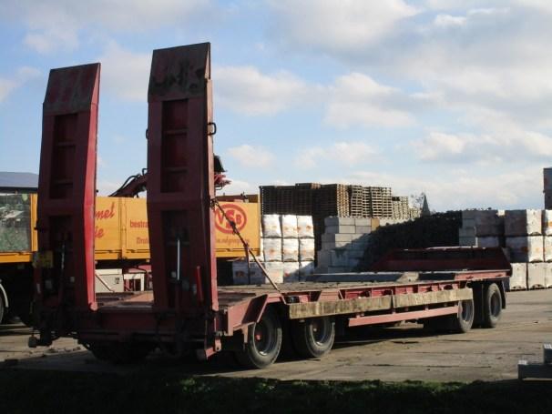 Macer trailer