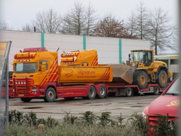 Scania R730 6x2 with Draco trailer
