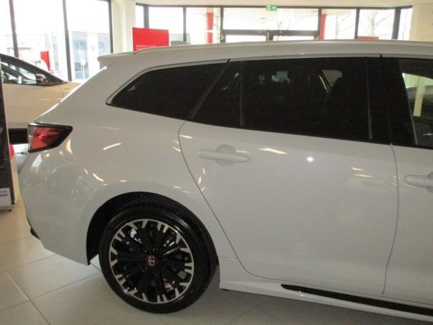 Corolla TS right-rear