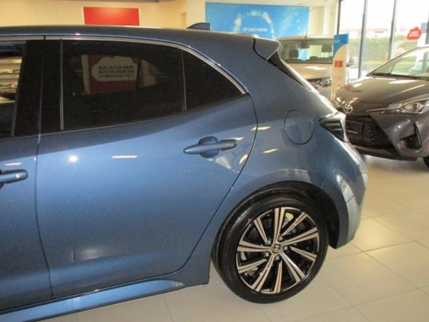 Corolla hatchback left-rear