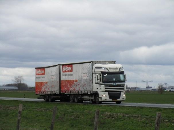 2008 DAF XF 105 - mid-axle trailer