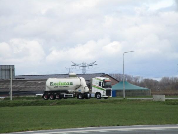 2019 Volvo FH and dry bulk tank semi-trailer