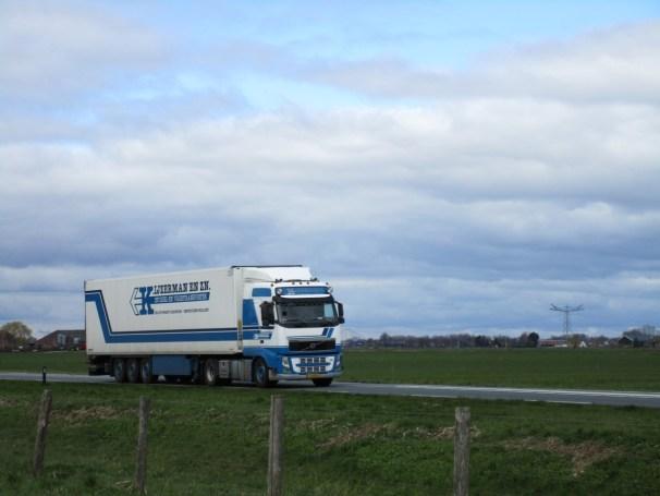 2013 Volvo FH 4x2 - temperature controlled semi-trailer