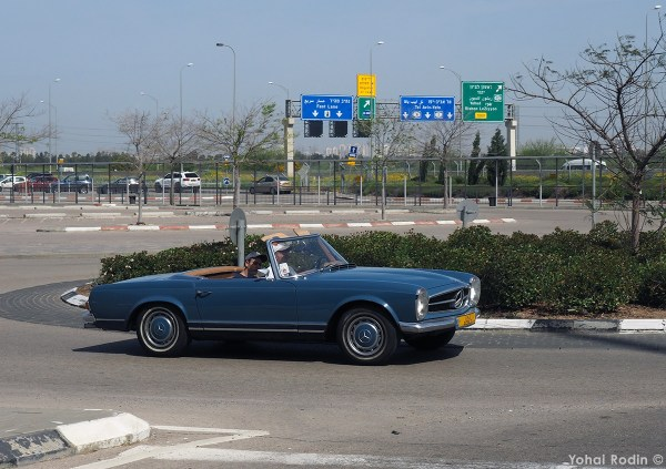 blue Mercedes-Benz W113