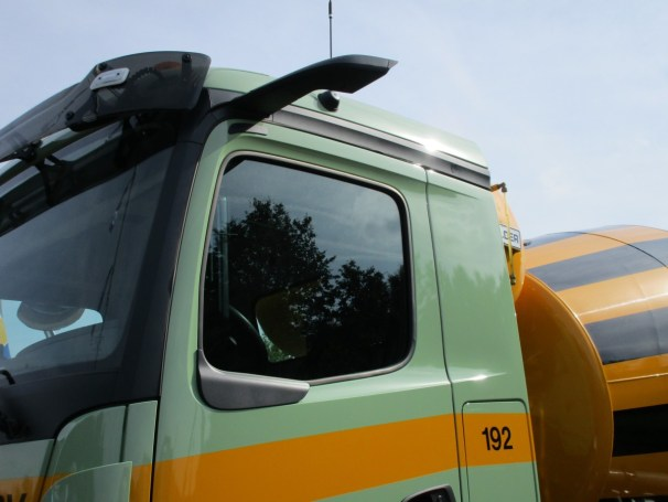 2021 MB Arocs 10x4 - camera left side cab