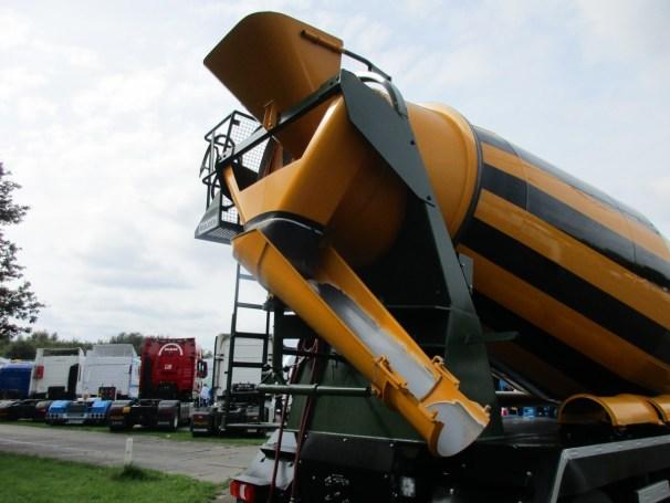 2021 MB Arocs 10x4 - loading and discharging