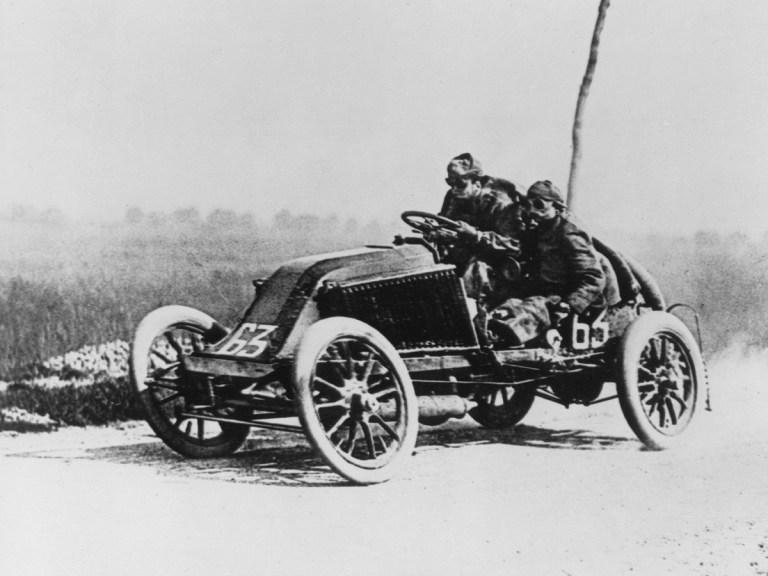Les débuts hasardeux de Renault