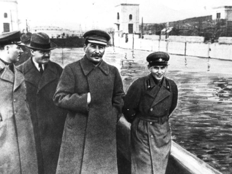 Staline, friand de Photoshop avant l'heure…