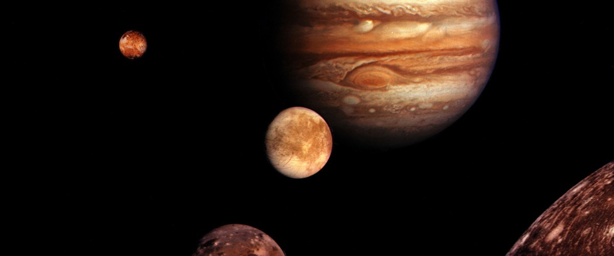 Les 79 Lunes de Jupiter - Histoire d'une découverte